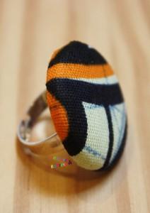 Bague bouton africain marine orange écru coté